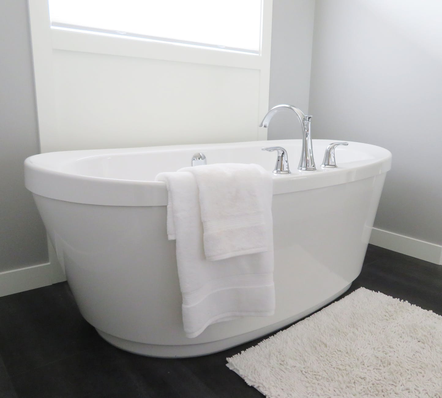 Bathtub Refinishing: 4 Things You Should Know