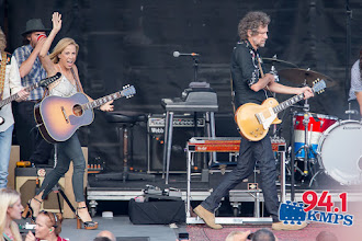 Photo: Sheryl Crow performs for a sold-out audience at Chateau Ste Michelle on July 8, 2015. (Photo by David Conger / davidconger.com)