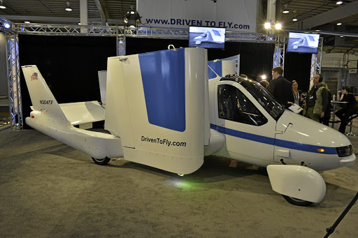 Chinese car maker Geely has bought US flying car manufacturer Terrafugia.