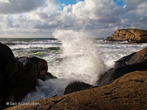 Photo: Breakers against the rocks on the coast of Jæren (Laugaberget, outside Ogna). The Jæren coast from Stavanger Soutwards to this location consists mostly of long beaches, but in this area there are rocky parts in between the beutiful beaches.