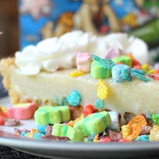 Marshmallow Fruity Pebbles Cream Pie