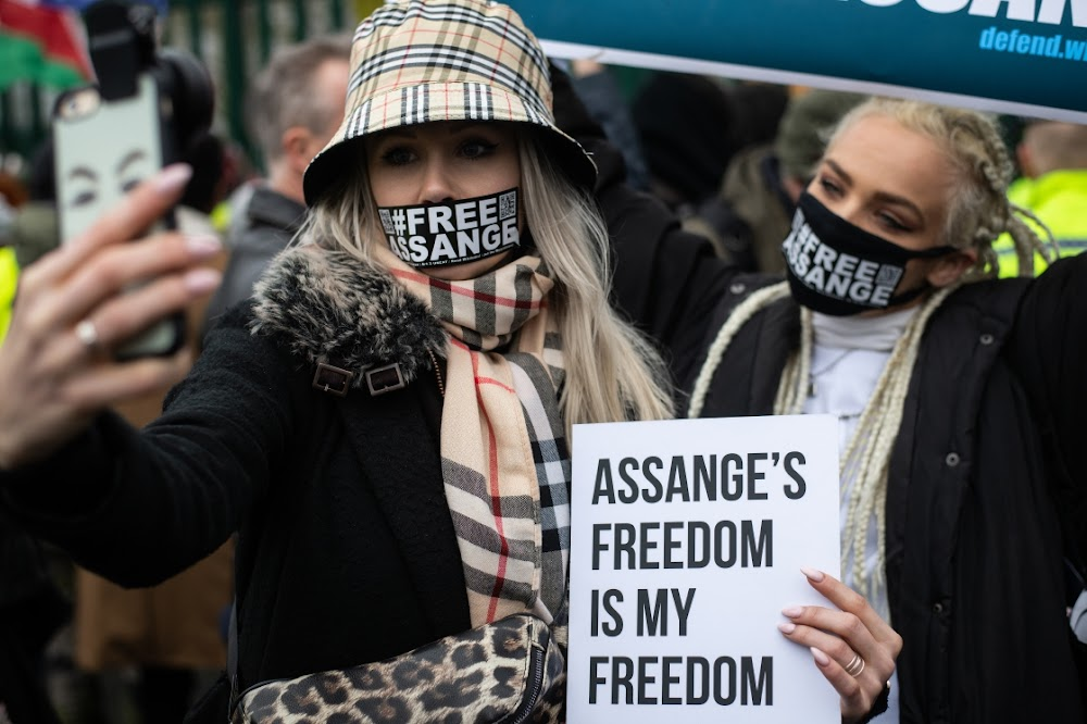 Hearing gets under way in London for Julian Assange extradition to US
