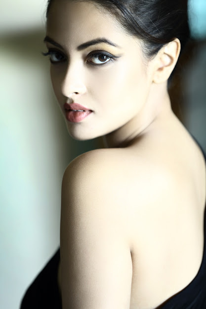 Riya Sen bengali actress, Riya Sen eyes, Riya Sen back, Riya Sen lips, Riya Sen kiss, Riya Sen big boss