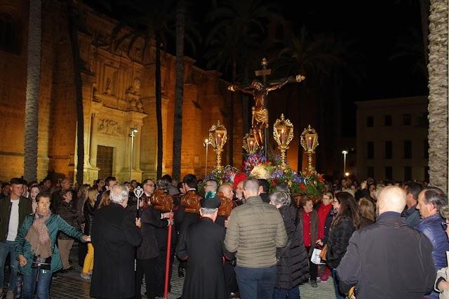 A las cinco en punto de la madrugada se inició el Vía-Crucis desde la Catedral de la Encarnación.