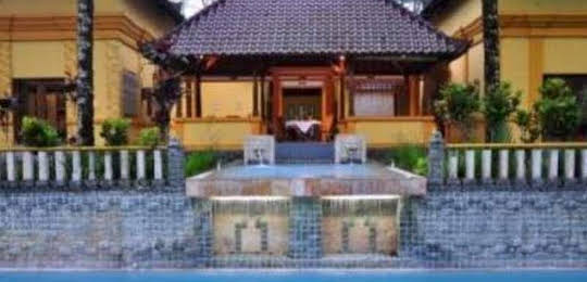 Raffles Holiday Hotel