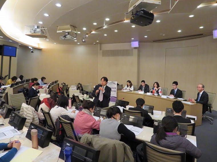 日本NITE次長木幡隆南(Takao Kowata)及宣導會講師與出席廠商討論熱絡