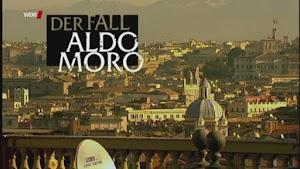 Rom, Stadtansicht. Eingeblendet: «Der Fall Aldo Moro».