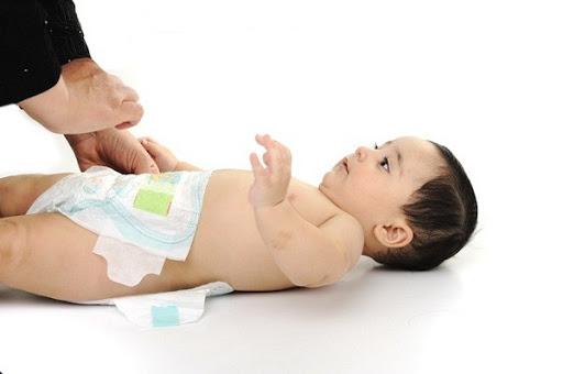Chăm sóc trẻ sơ sinh cần rất cẩn thận nên dù làm bố mẹ lần đầu, bạn vẫn cần học cho kĩ những điều quan trọng.