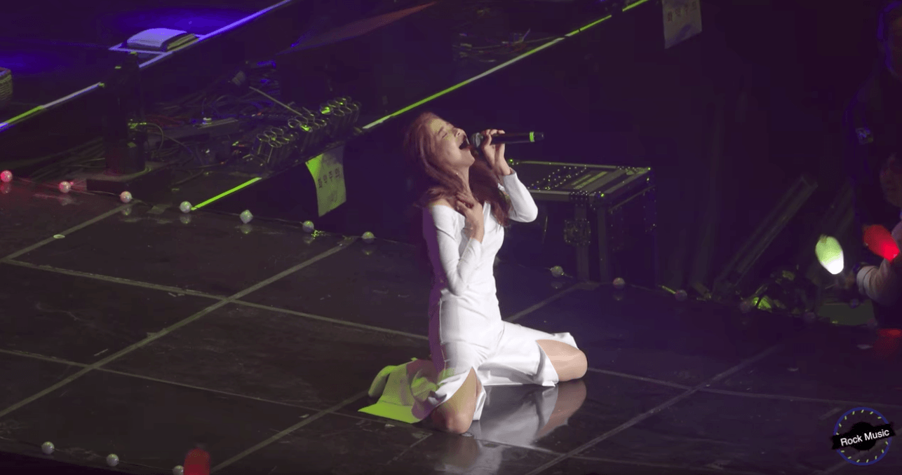This Performance Is Being Called MAMAMOO Solar's Sexiest