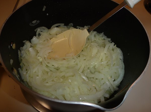 Quarter the onions lengthwise then thinly slice sideways. Place the sliced onions and olive oil...