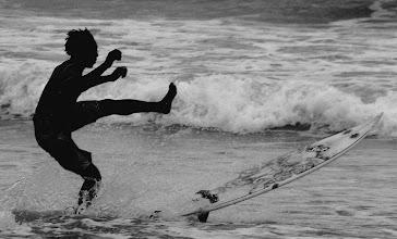 Photo: Danser avec les vagues dancing with the wave busua, western region, Ghana