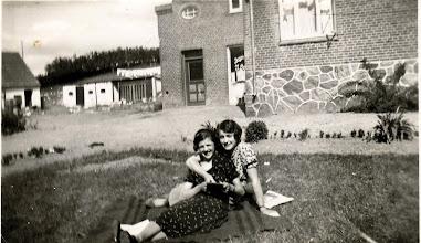 Photo: Rødding Bageri , Agnethe og An... Rødding?