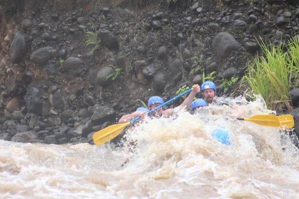 Rafting pura vida