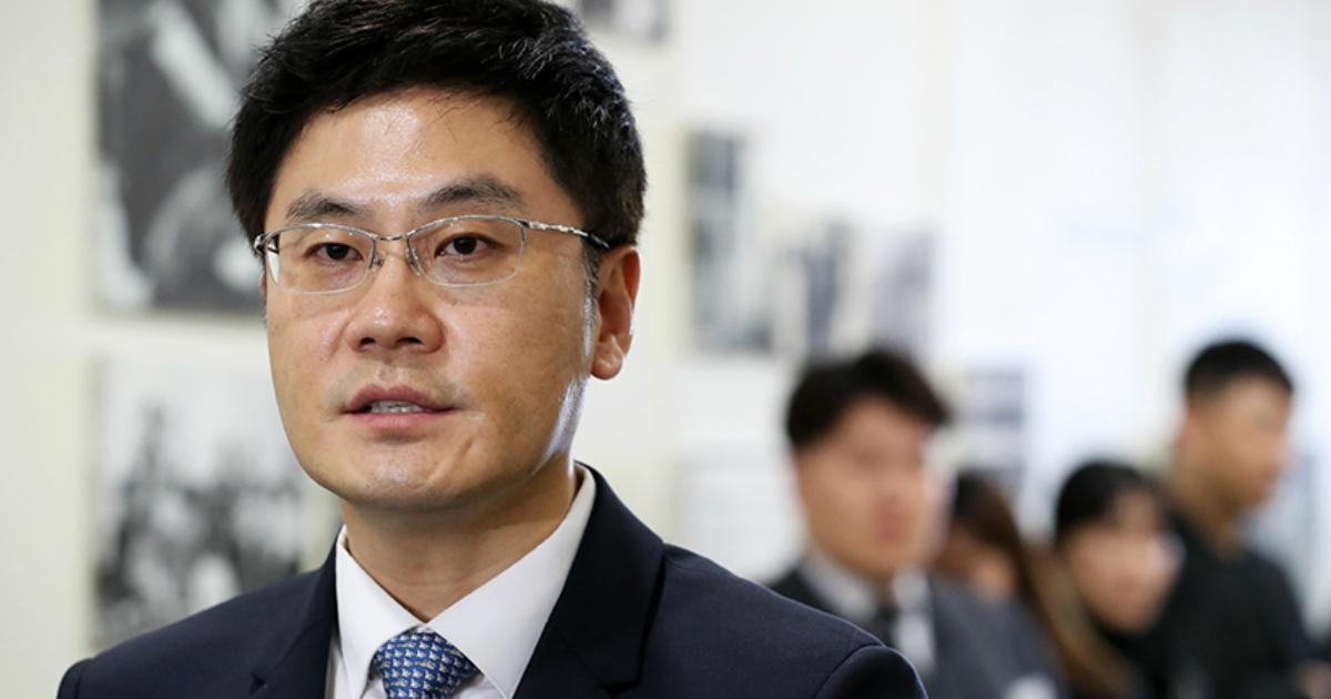 إليكم كل ما نعرفه عن يانغ مين سوك الرئيس التنفيذي لوكالة وايجي وأخ يانغ هيون سوك الأصغر