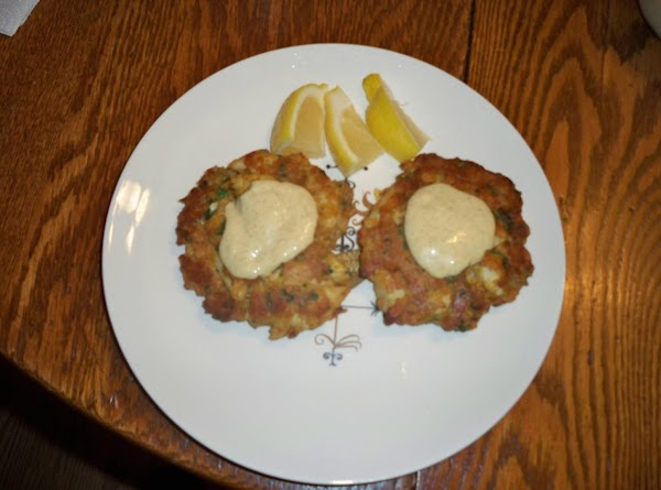 Spoon on top of crab cakes. Enjoy!