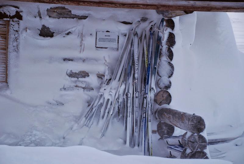 Photo: Lumet pitkin seiniä