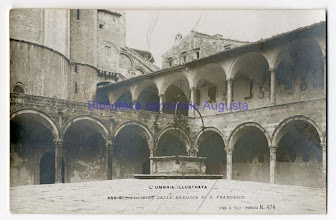 Photo: Assisi, Chiostro della Basilica di S.Francesco