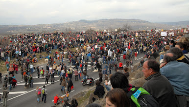 """Photo: 26 février : Villeneuve-de-Berg : mobilisation sans précédent """"Stop au gaz de Schiste"""" plus de 15 000 manifestants... - © Olivier Sébart"""