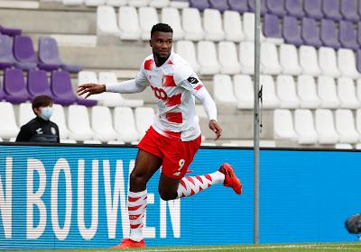 Obbi Oulare (Standard) était satisfait après son but marqué au Beerschot