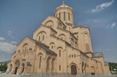 Die Sameba-Kathedrale im Herzen von Tiflis.
