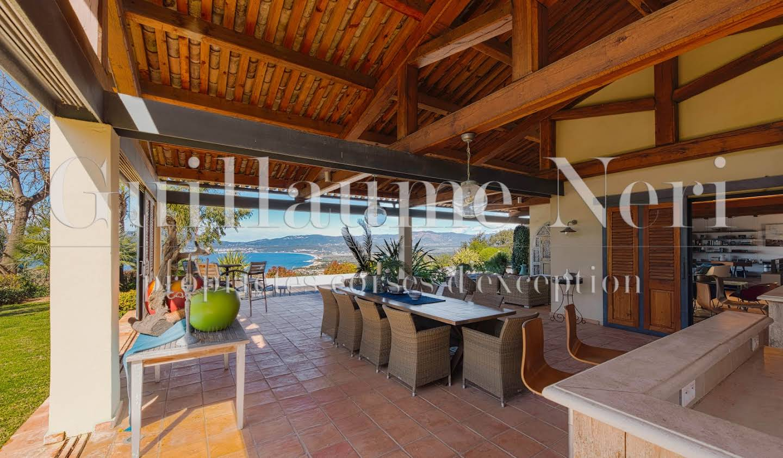 Villa avec piscine et jardin Porticcio