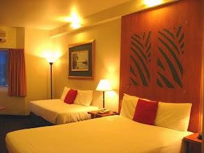 Photo: 024-Novotel Atrium à Darwin, les chambres sont spacieuses et confortables. La décoration est soignée.