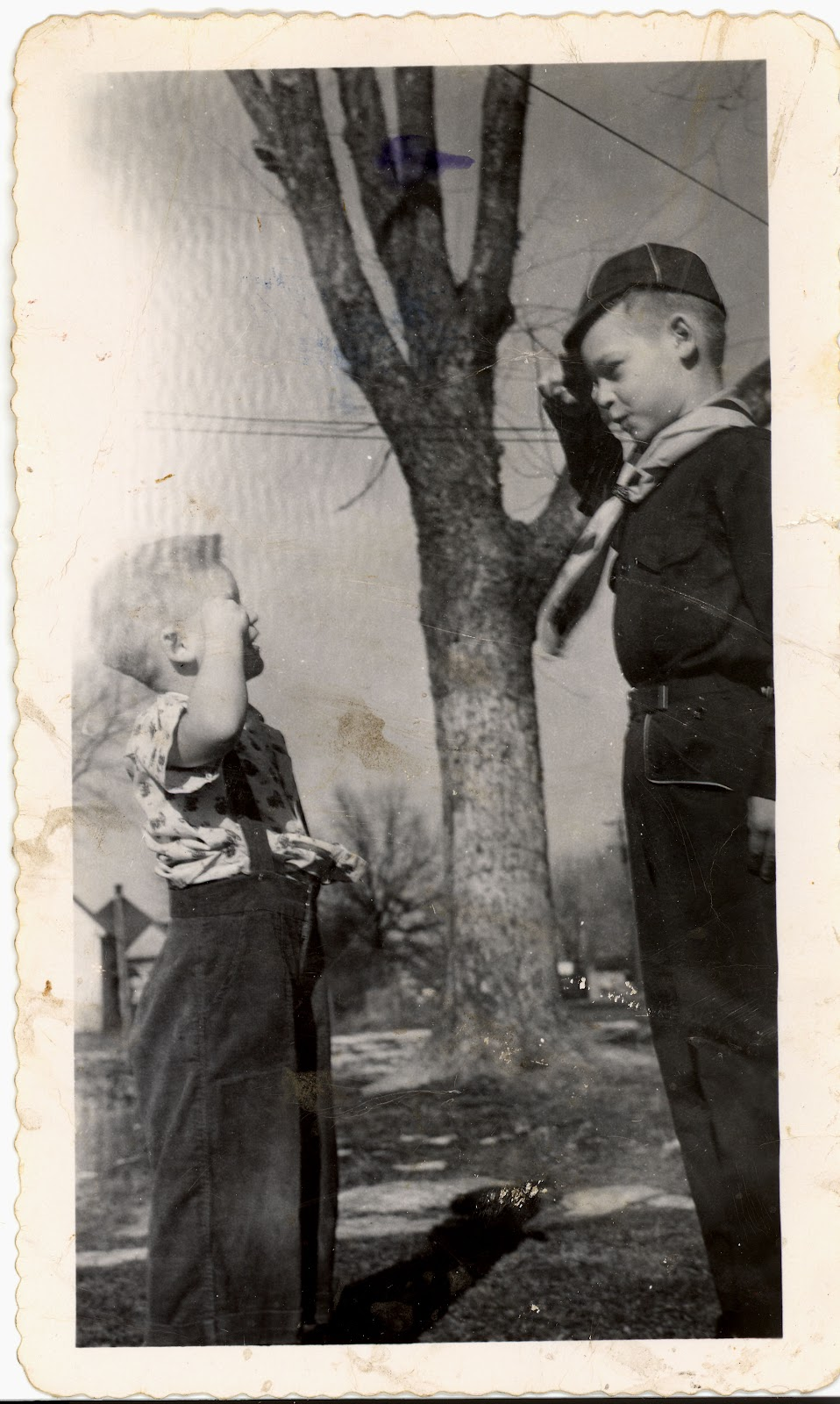 David, 4 & Larry, 9, Dec 29 1953.jpg