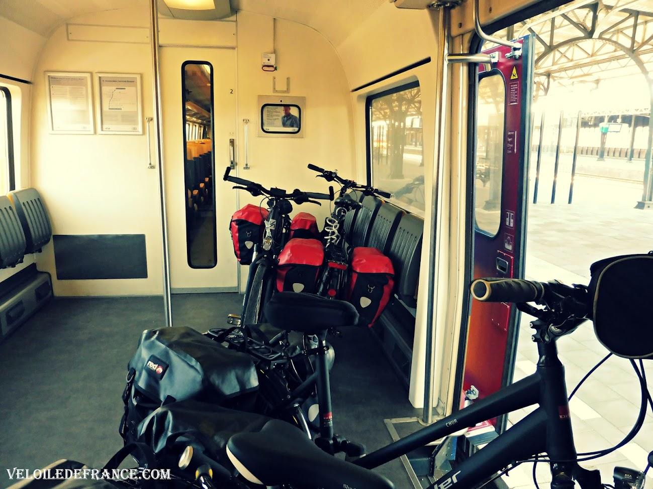 Compartiment vélo dans le train hollandais