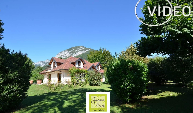 Propriété avec piscine Menthon-Saint-Bernard