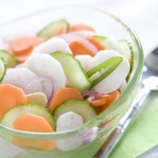 Vietnamese Quick-Pickled Vegetables