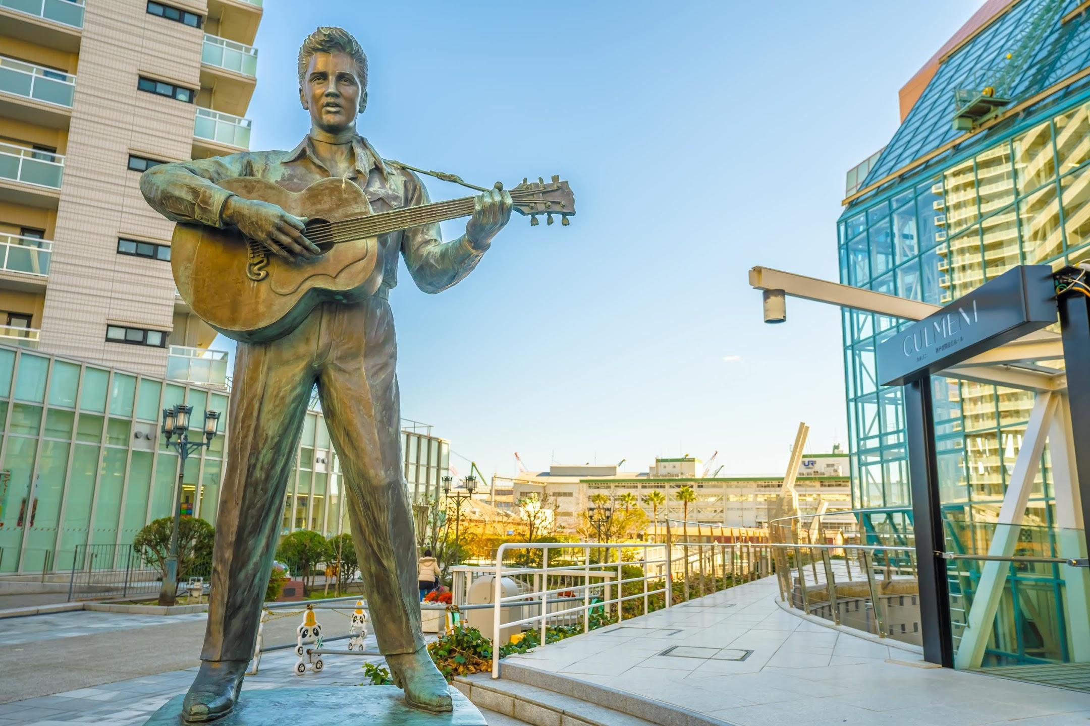 Kobe Harborland Elvis Presley