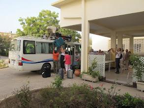 Photo: Sn3S0004-Dakar Pouponnière, préau, accueil, (dé)chargement des bagages IMG_0209