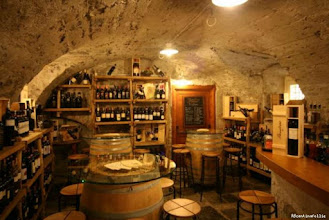 Photo: Let us recommend our favourite wine bars.