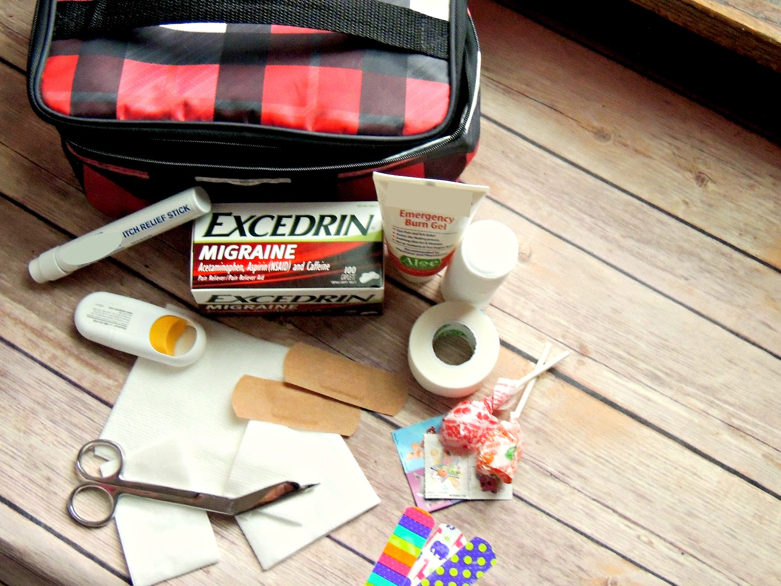 Excedrin® Migraine First Aid Kit for the Family #MoreMomentsWithExcedrin #CollectiveBias #ad 2.jpg
