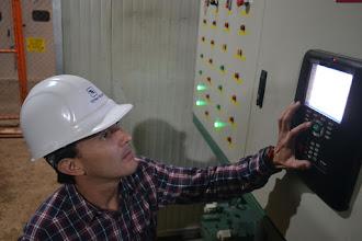 Photo: Paulo López monitorea la eficiencia energética