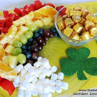 St. Patrick's Day Recipe – Rainbow Fruit Tray
