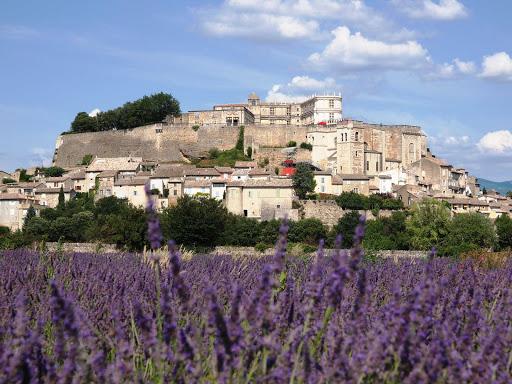 Chateau de grignan en Drôme au départ de la maison d'hôtes