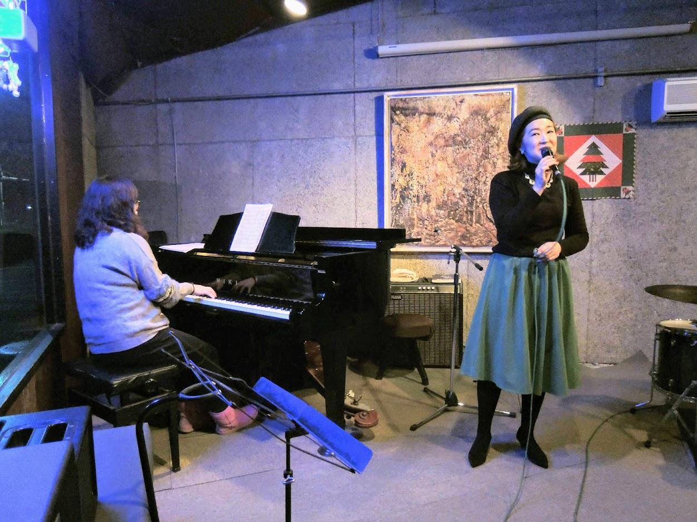 Kaoru Azuma (vo) and Kei Ushijima (pf)