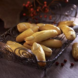 """Zombie Finger"" Almond Cookies."