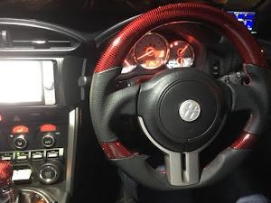 86 ZN6 GTのステアリングのカスタム事例画像 サトさんの2017年10月30日07:26の投稿