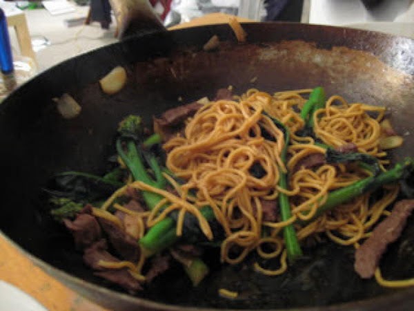 Gai Lin With Beef And Noodles Recipe