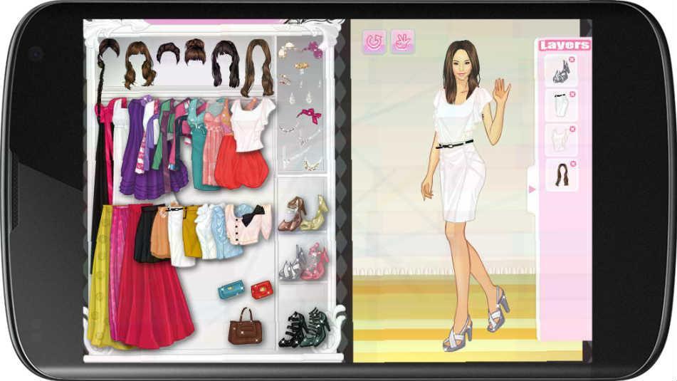 Monica Model Dress Up Screenshot