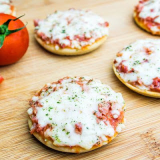 Quick And Easy Mini Bagel Pizzas
