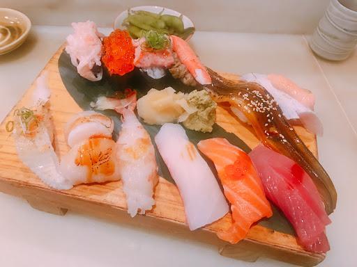 好吃😋cp 值高!點12貫加男子漢丼跟無數單點,都很好吃👍🏻👍🏻  #排隊名店沒有浪得虛名💖