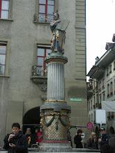 Photo: Mosesbrunnen - http://www.jenk.ch/tag/bern/