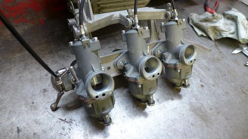 Rampe de carburateurs Wassell pour Rocket III, T150 et T160.