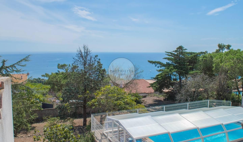House with pool Sète