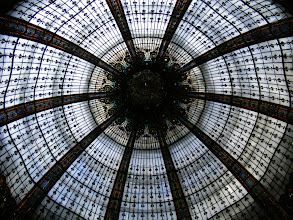 Photo: Wednesday began with a late wake-up, and then some shopping at the Grands Magasins - here looking up at the cupola dome in the Galleries Lafayette.