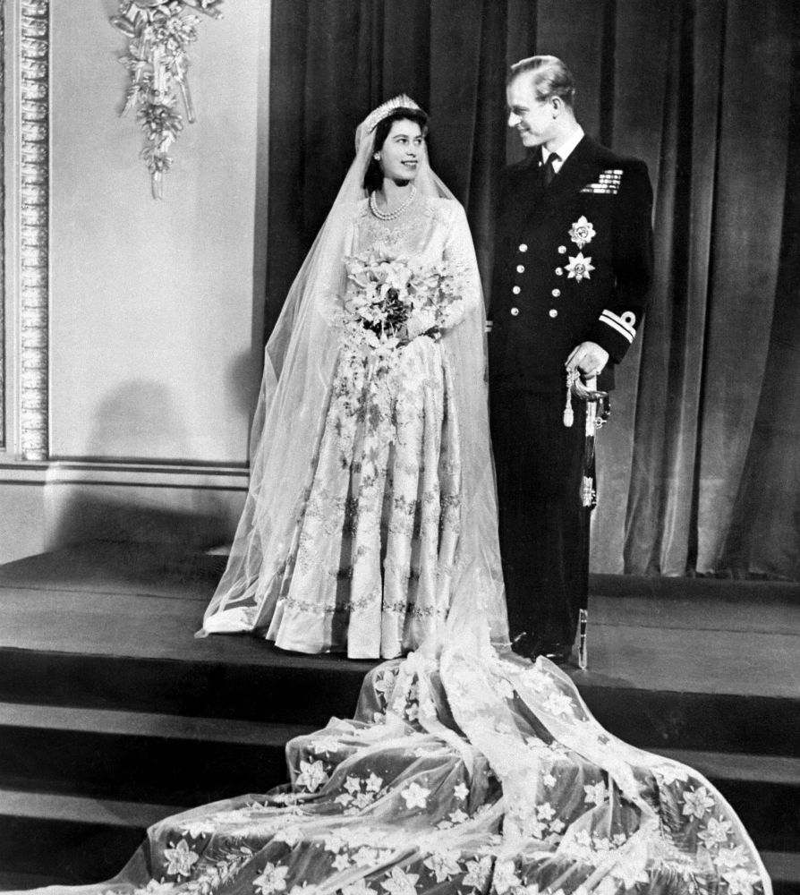 The Princess Elizabeth of England and Philip The Duke of Edinburgh pose on their wedding day, 20 November 1947 in Buckingham Palace