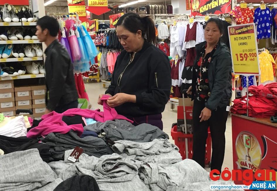 Để chinh phục người tiêu dùng, hàng Việt Nam phải từng bước chiếm lĩnh thị trường nội địa